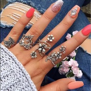 4 Piece Boho Floral Midi Ring Set